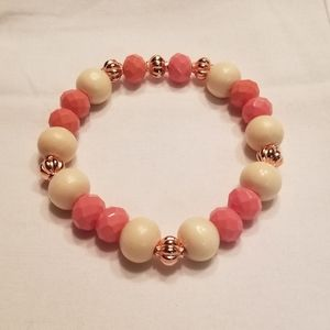 🎉HP!! 🍑 Sweet peach and blonde stretch bracelet
